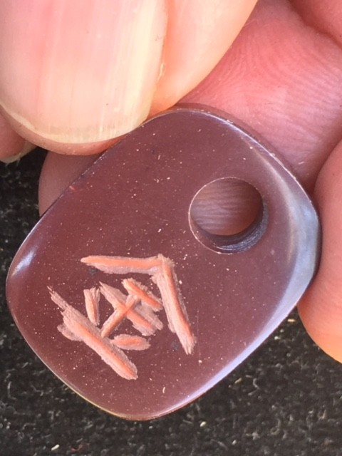 Chinese writing   GOLD  opal MMR2352