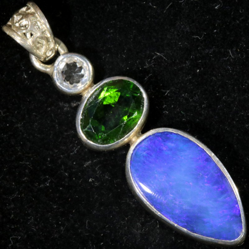 15.50 CTS CHROME DIOPSIDE WITH DOUBLET SILVER PENDANT[SOJ6174]