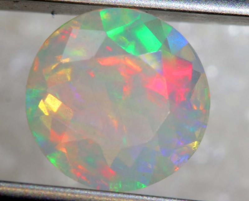 0.40 CTS ETHIOPIAN WELO FACETED OPAL STONE FOB-1255