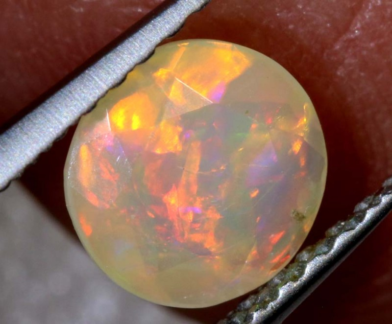 0.40 CTS ETHIOPIAN WELO FACETED OPAL STONE FOB-1280