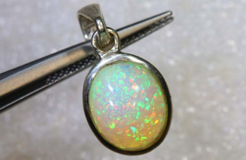 6.05 CTS ETHIOPIAN OPAL SILVER PENDANT FOB-1287