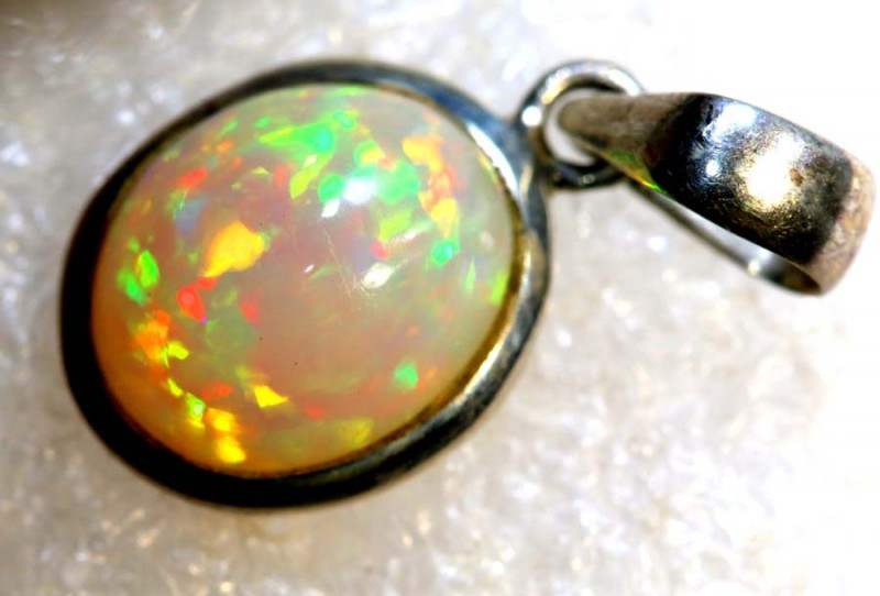 8 CTS ETHIOPIAN OPAL SILVER PENDANT FOB-1288