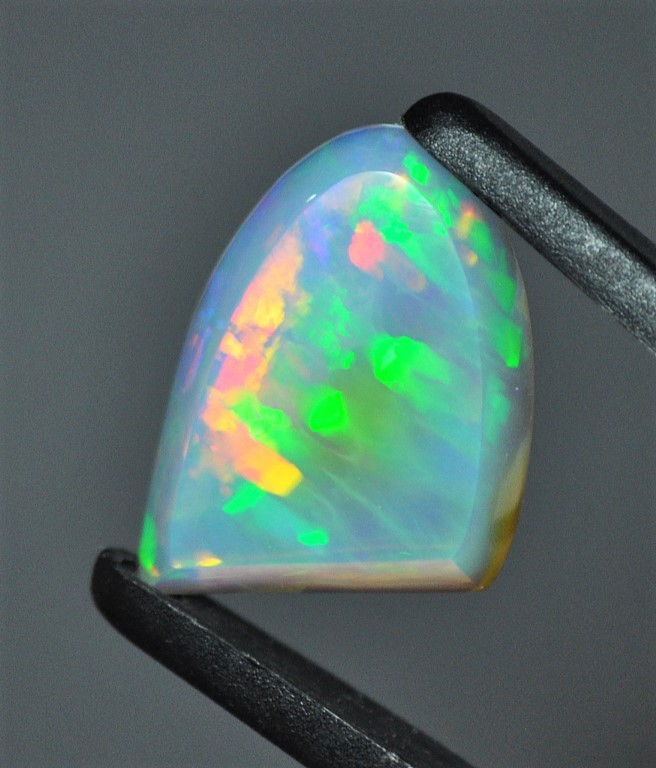 10.9ct ETHIOPIAN WELLO EXQUISITE, NEARLY TRANSPARENT CRYSTALLINE GEM OPAL