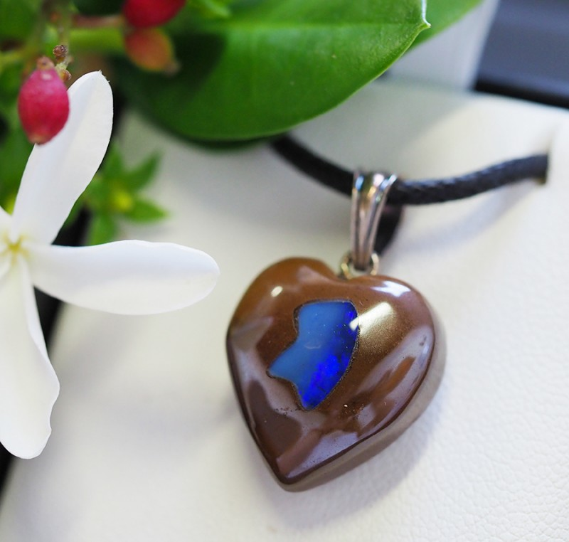 Lovers opal inlay Heart Pendant Su 14