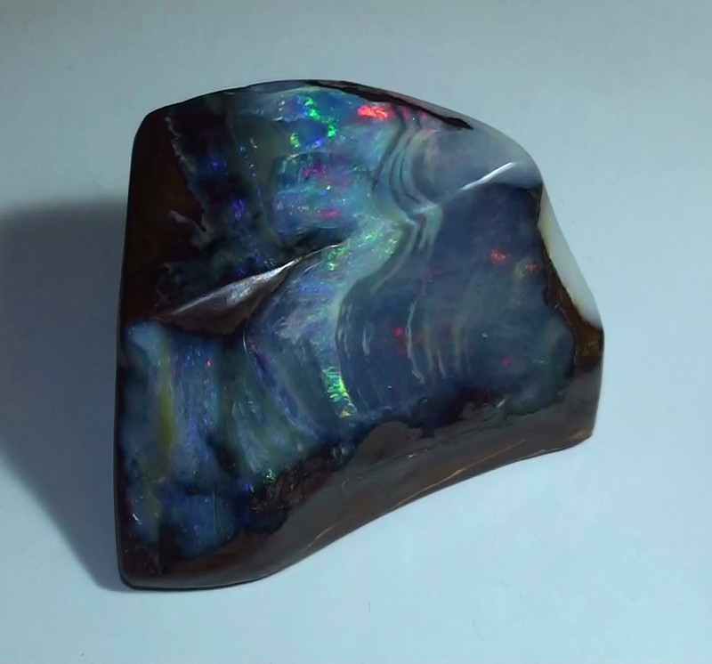 425 ct Boulder Opal Show Piece With Gem Multi Color