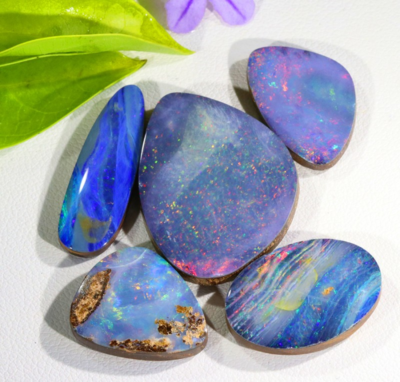 Parcel opal doublets SU 65