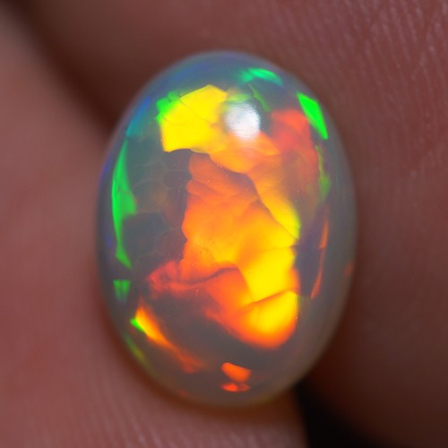 2.47 CT TOP QUALITY BEAUTIFUL MULTI COLOR ETHIOPIAN OPAL - AA26