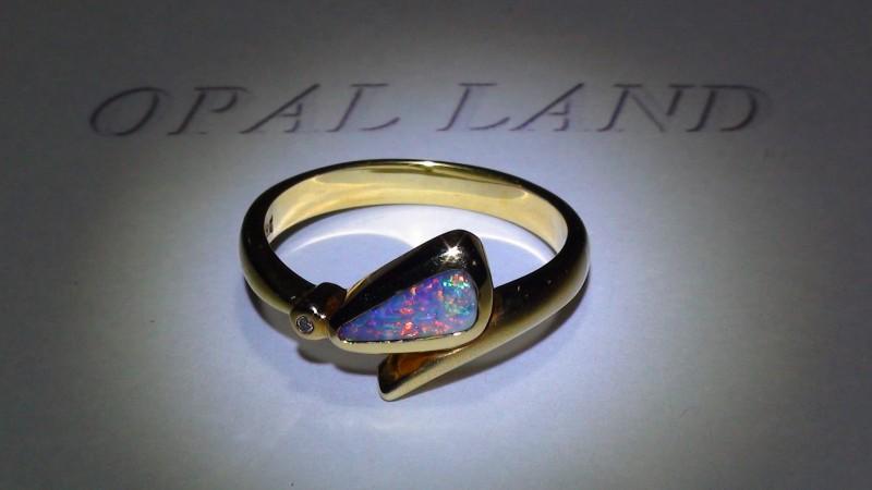 19.0 ct Gold Ring 18k Natural Gem Rainbow Color Boulder Opal