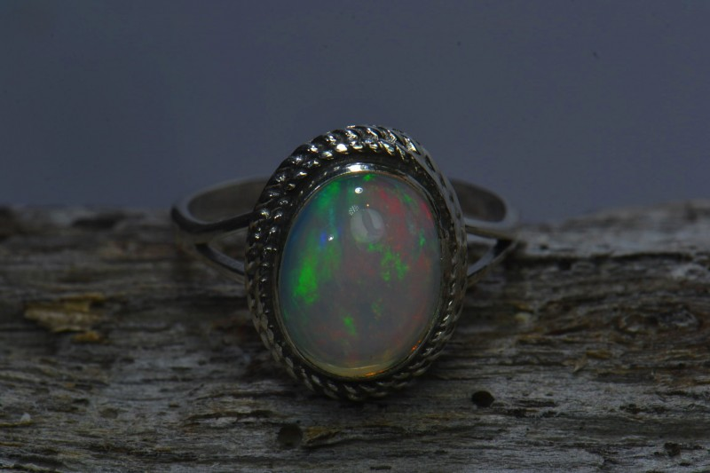 Sz6.5 SOLID ETHIOPIAN CRYSTAL OPAL  HIGH QUALITY .925 STERLING FABULOUS RIN