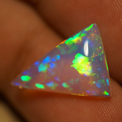 3.21 CT TOP QUALITY BEAUTIFUL FLASHY MULTI COLOR ETHIOPIAN OPAL-AD40
