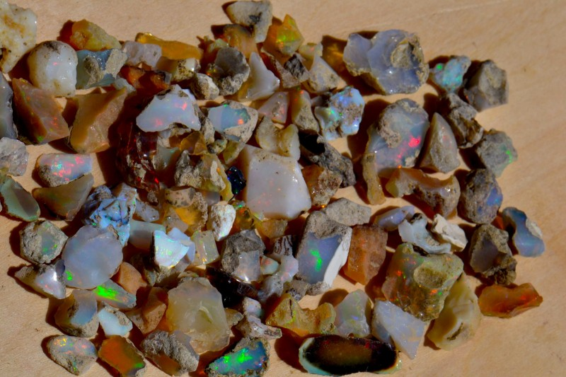 Nice Rough  Opal Rough Parce 200cts Welo Mines Ethiopia NR Lot
