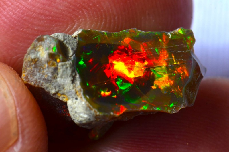 11.12ct Bright Natural Ethiopian Welo Supreme Opal