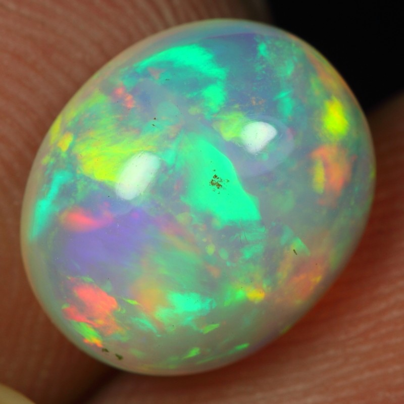 2.80cts Amazing Color Play Ethiopian Opal