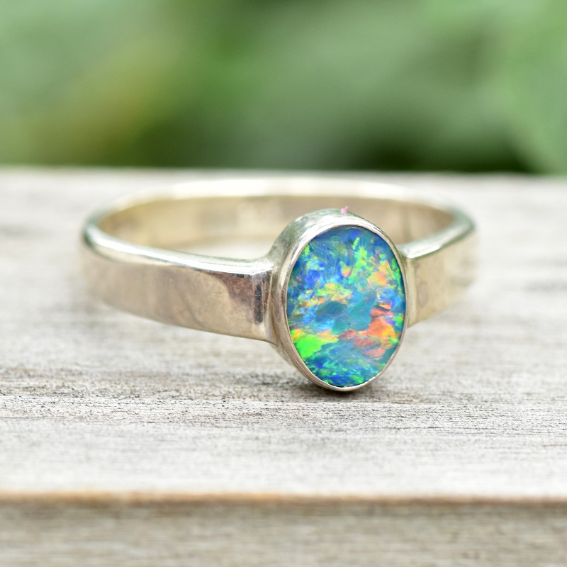 Opal Shimmer Ring - Silver - Size 7 (OR8)