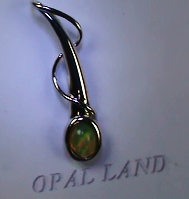 12.25 ct Stunning Modern 925 Silver Solid Welo Opal Pendant