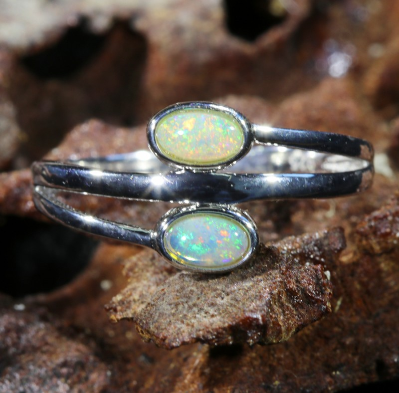 Cute Solid Crystal  Opal Rings  SU 597