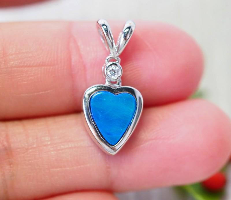 Cute doublet Opal set in Silver Pendant  SU616