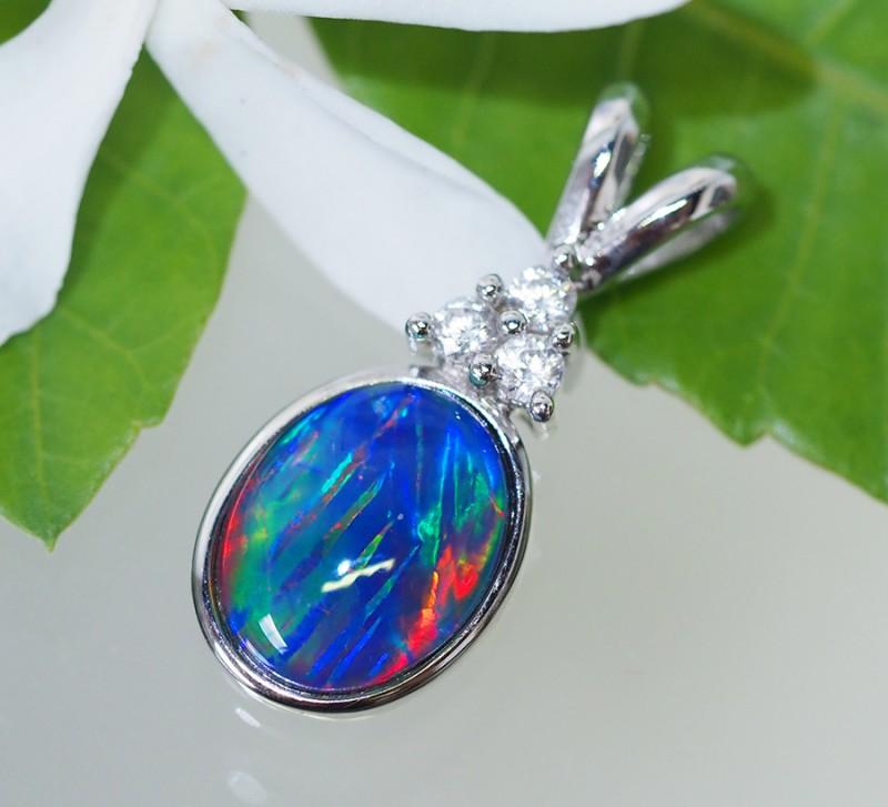 Cute Triplet Opal set in Silver Pendant  SU617