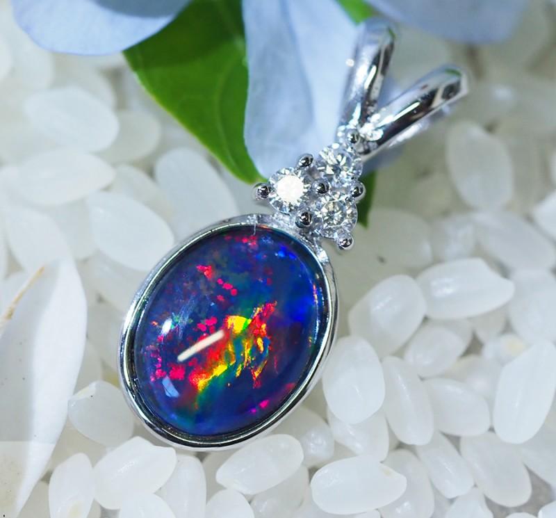 Cute Triplet Opal set in Silver Pendant  SU620