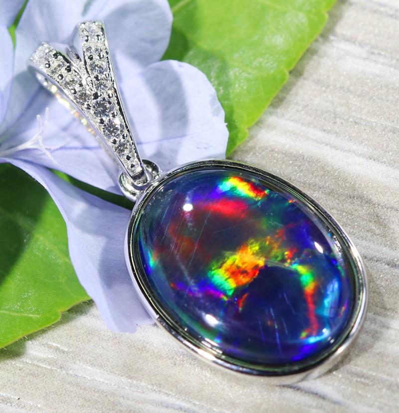 Cute Triplet Opal set in Silver Pendant  SU625