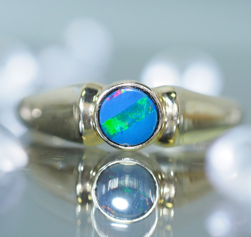Stylish 9k Gold  Doublet Opal Ring SU634