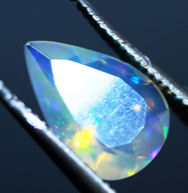 Faceted Wello Opal  . Cts 0.70   RL884