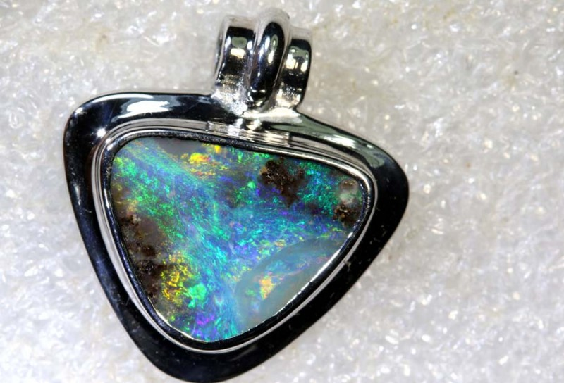 21.9CTS BOULDER OPAL STERLING SILVER PENDANT OF-2331