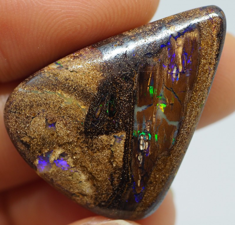 38.95CT VIEW WOOD REPLACEMENT BOULDER OPAL TT69