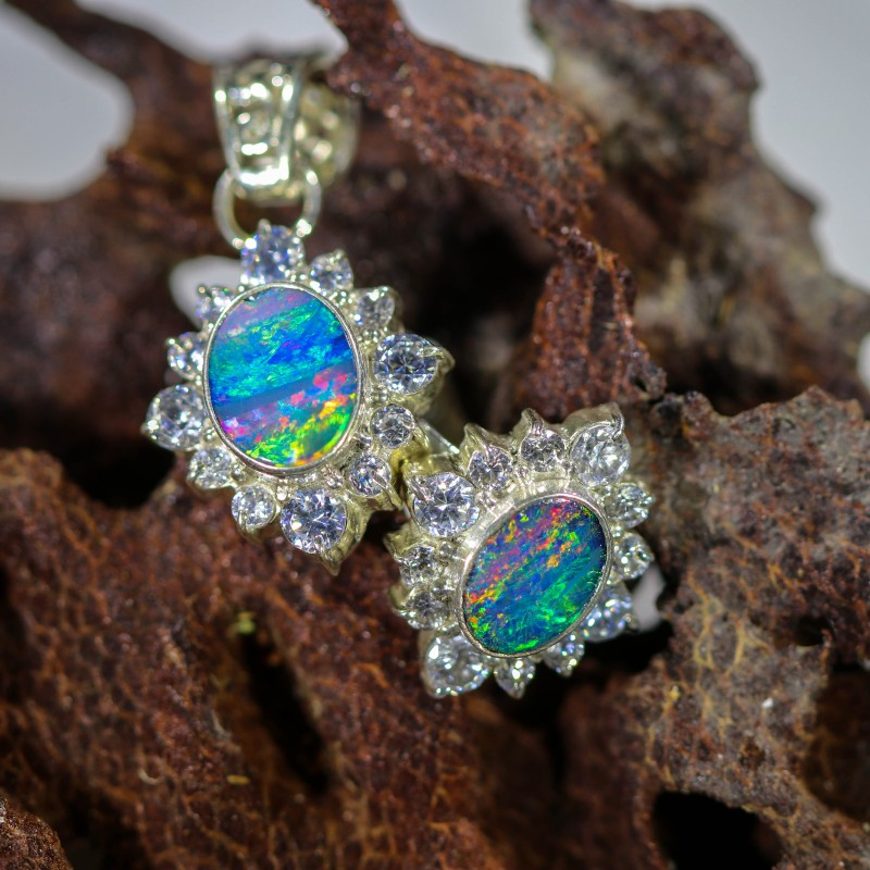 33.45 OPAL SET-RING AND PENDENT-SILVER -IDEAL GIFT. [SOJ6352]