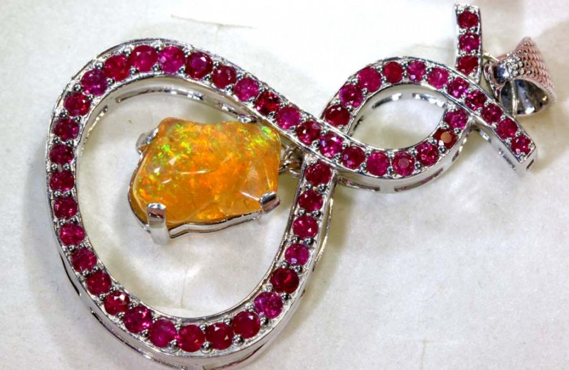 30.15CTS ETHIOPIAN OPAL WITH RUBY  SILVER PENDANT     OF-2235