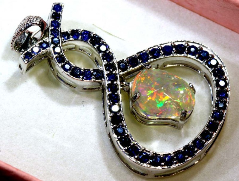 32.7CTS ETHIOPIAN OPAL WITH SAPPHIRE  SILVER PENDANT     OF-2337