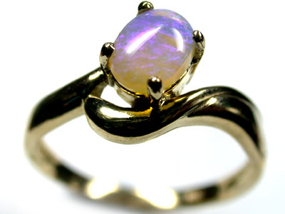 BEAUTIFUL BLUE CRYSTAL OPAL 18K GOLD RING SIZE 6.5 SCO1927
