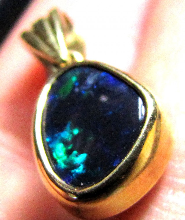 BEAUTIFUL DEEP GREEN SPARKLE BLACK OPAL PENDANT 1CT SCO2006