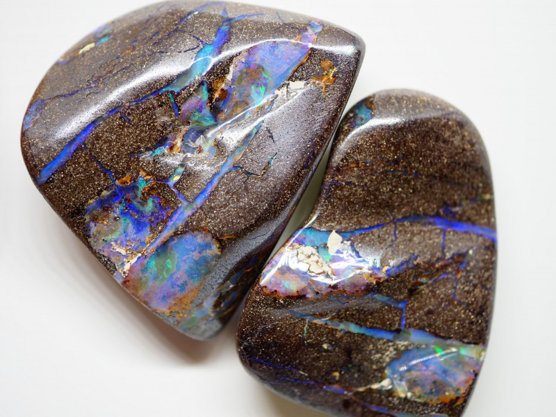 323.35CT  KORIOT OPAL PAIR  WITH AMAZING PATTERN TT238