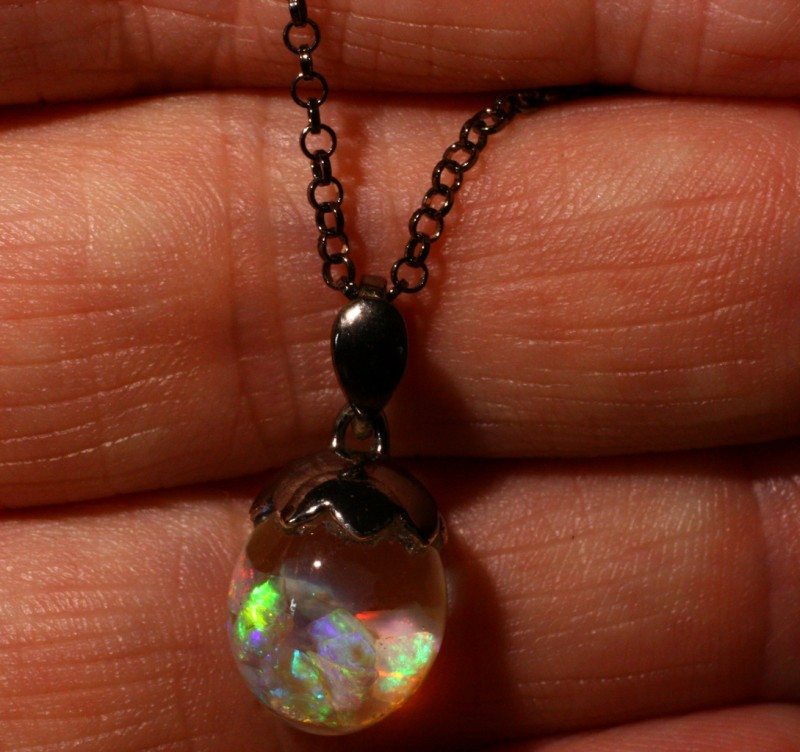 Floating Opal Pendant necklace w Lightning ridge crystal Opal 3+ carats