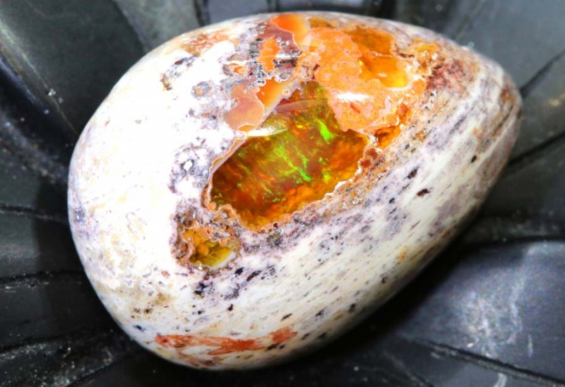 9.7CTS MEXICAN FIRE OPAL CUT STONE FOB-1484