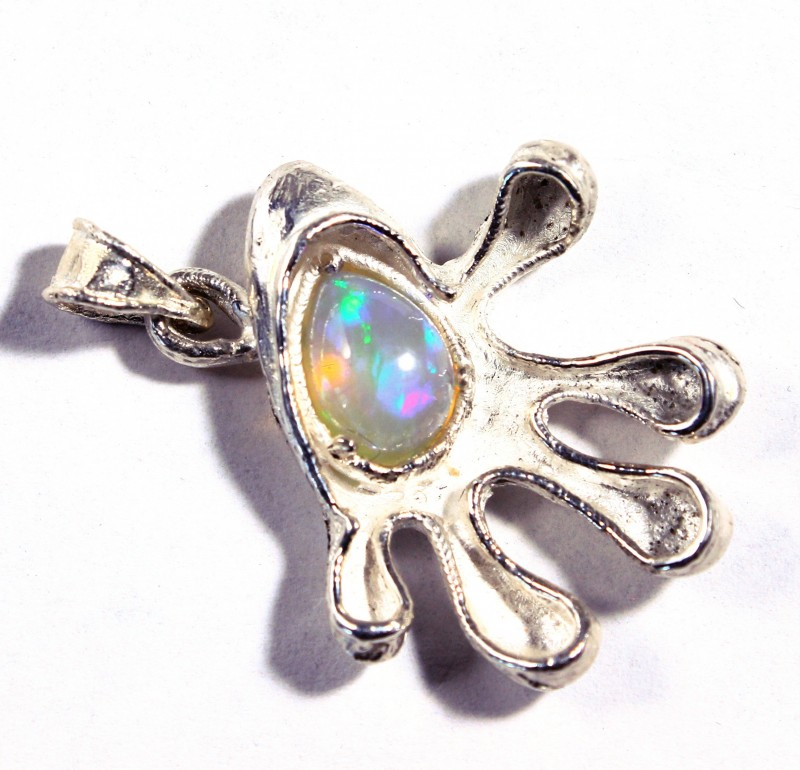 Pendant Silver  925  with  Ethiopian Wello Opal  Cts. 29.0   CV8
