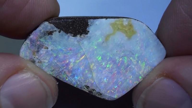 23.85  ct Big Multi Color Natural Queensland Boulder Opal