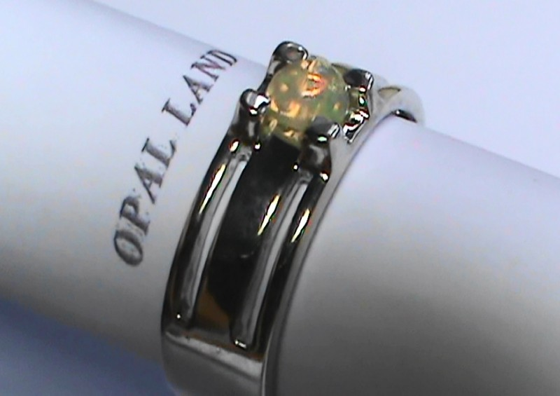 31.8 ct Stunning 925 Silver Bright Multi Color Welo Ring