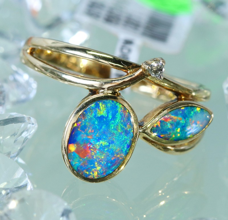 Cute  Opal Doublet opal in 14k Yellow  gold Ring size 7.5  SU1336