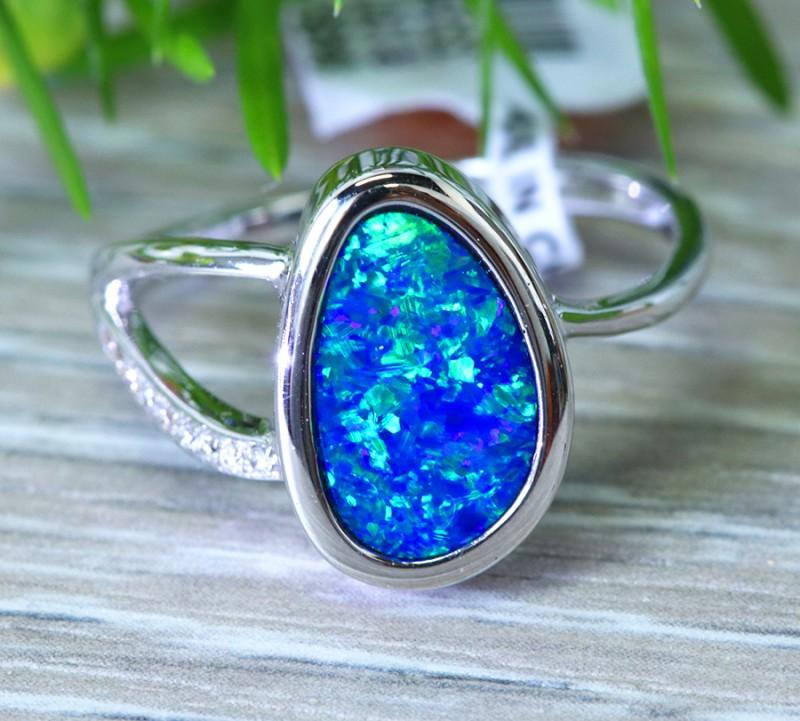 Cute  Opal Doublet opal in 14k white  gold Ring size 7  SU1338