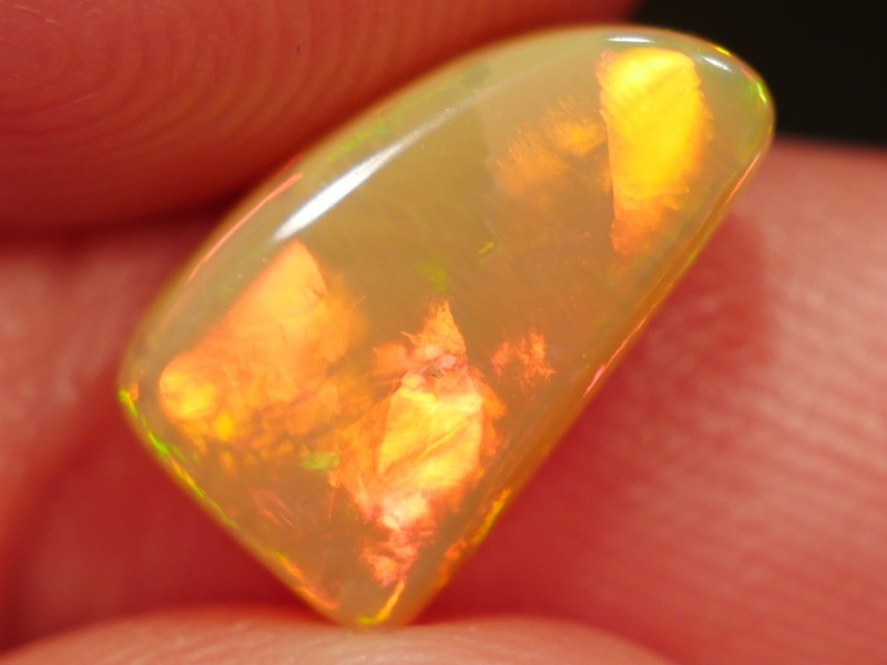 4.12 ct Bright Ethiopian Opal - Free Insured Shipping