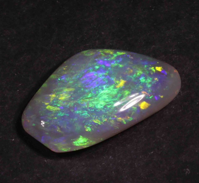 3.05 CT BLACK OPAL FROM LR