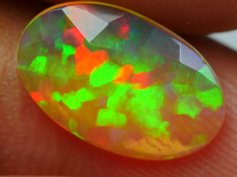 1.35 CRT LOVELY FLAT FACETED FLAGSTONE FIRE PATTERN WELO OPAL-