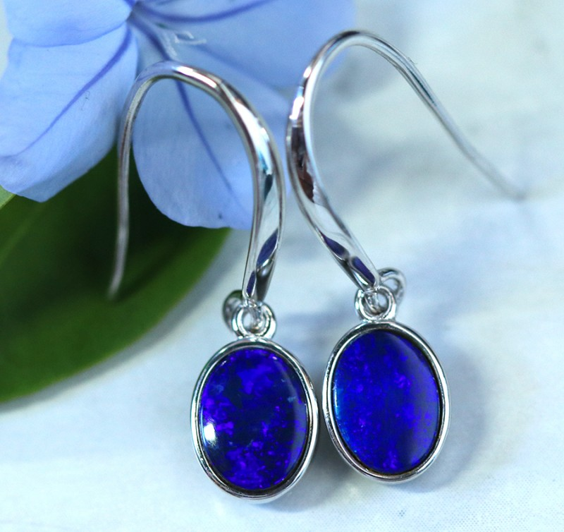 Cute  blue  fire  Doublet opals in stylish silver earrings SU 1495