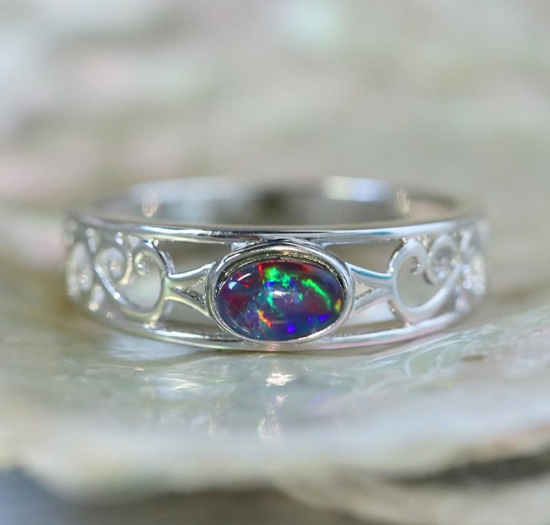 Cute  triplet  opals in stylish silver ring  SU 1509