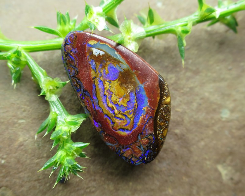 2 sided yowah opal.