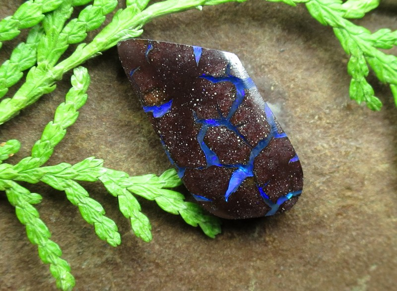 "6.5cts, ""BOULDER OPAL~ELECTRIC PATTERN"""
