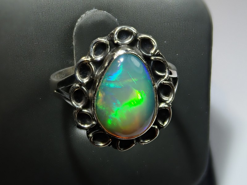 SOLID  OPAL HIGH QUALITY .925 STERLING FABULOUS RING