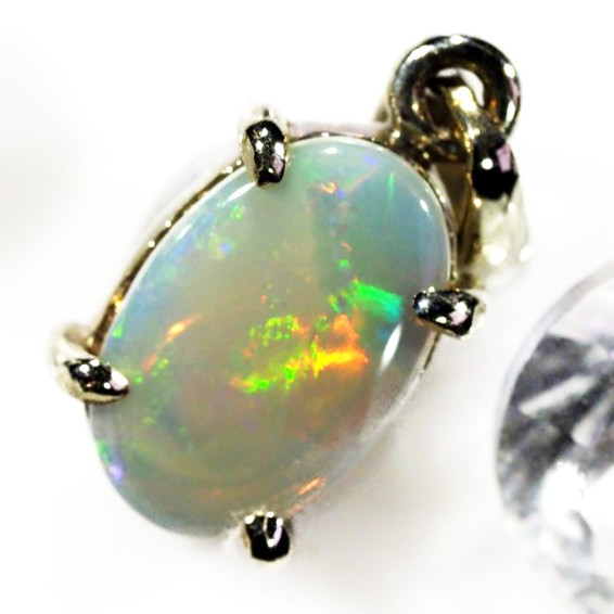 FLASH CRYSTAL  OPAL PENDANT  18 K  GOLD   CK 330